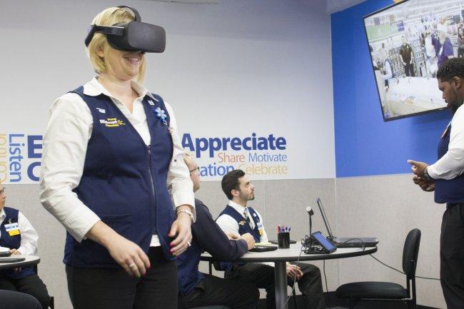 Walmart capacita a sus trabajadores con realidad virtual